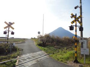 【画像】西大山駅の西側にある踏切