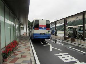 【画像】草津温泉行きバス(長野原草津口駅にて)