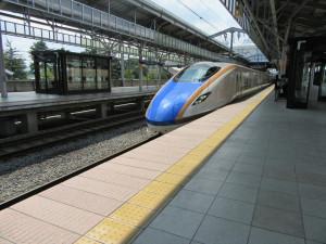 【画像】北陸新幹線あさま 東京行き(軽井沢駅にて)