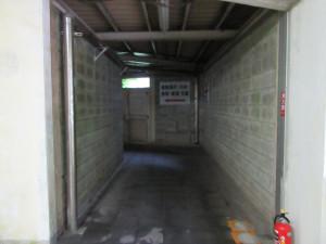 【画像】下り地下ホームに続く通路