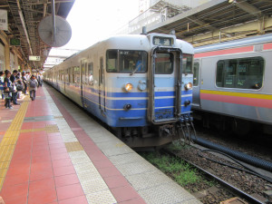 【画像】新潟駅に停車中の越後線(吉田行き)