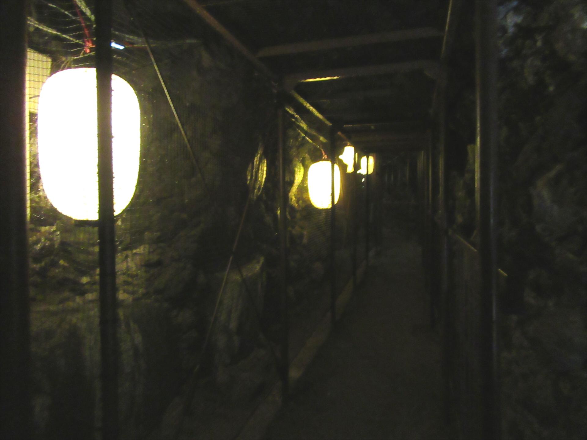 【画像】洞窟観音の内部