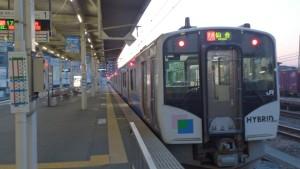 【画像】石巻駅で発車待ちの仙石東北ライン仙台行き