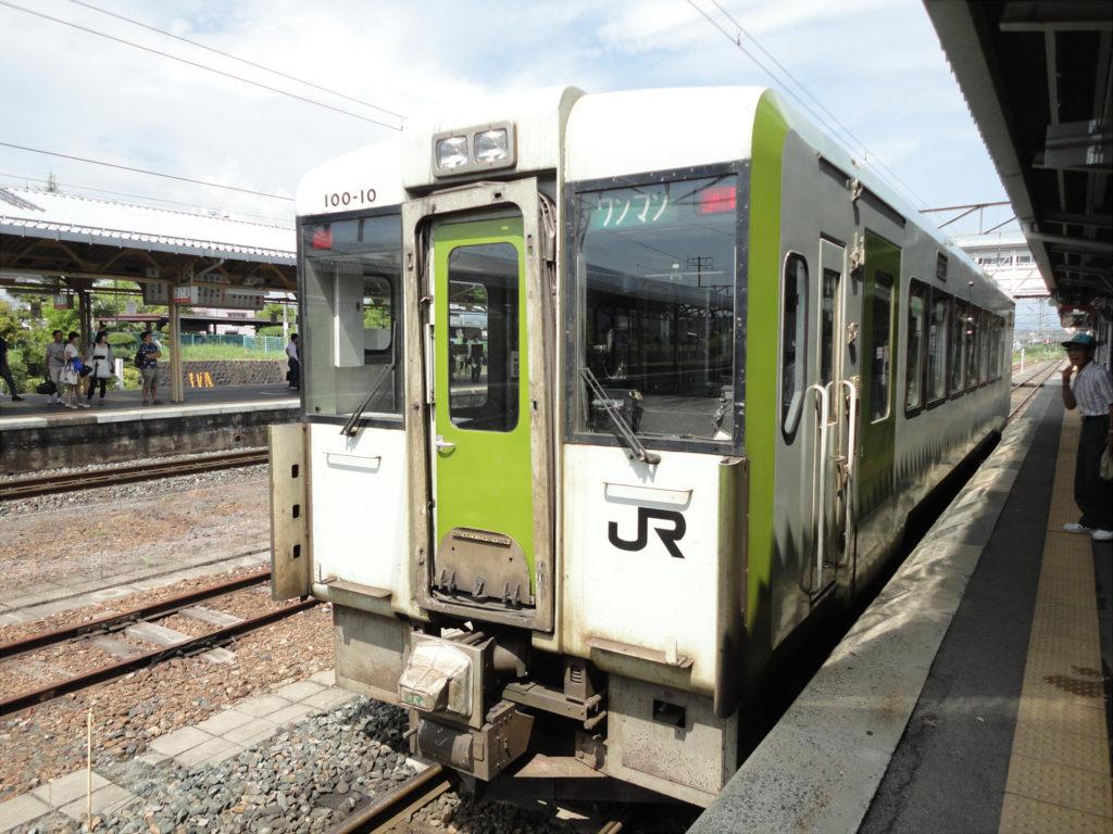 【画像】花巻駅で発車待ちの釜石線(釜石行き)