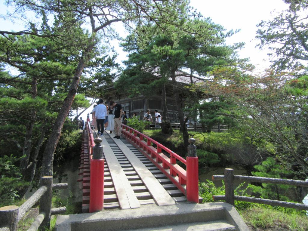 【画像】五大堂とすかし橋