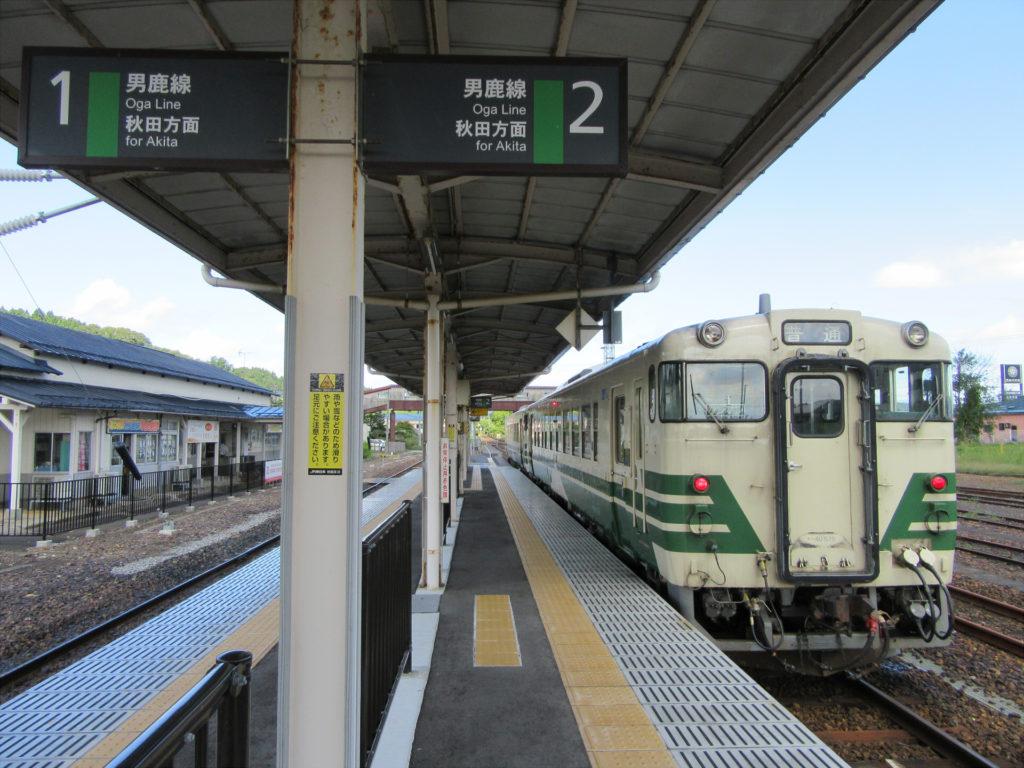 【画像】男鹿駅に停車中の男鹿線秋田行き