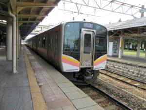【画像】羽越本線・新潟行き(村上駅にて)