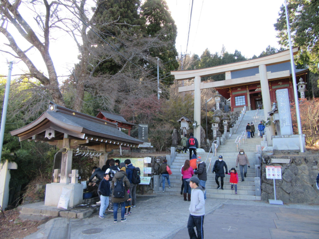 武蔵御嶽神社 鳥居