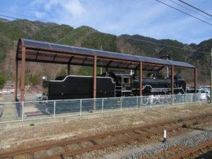 木曽福島駅に展示されているSL