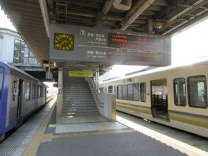 加茂駅ホーム