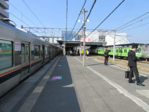 木津駅ホーム