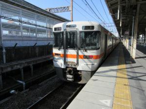 東海道本線 大垣行き(米原駅にて)