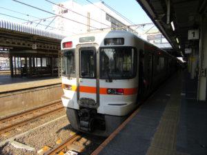 東海道本線新快速・豊橋行き(大垣駅にて)