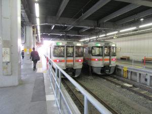 飯田線ホーム(豊橋駅にて)