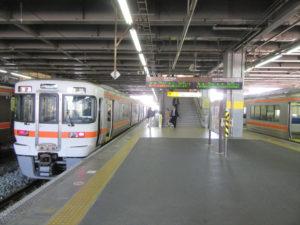 東海道本線ホーム(豊橋駅にて)