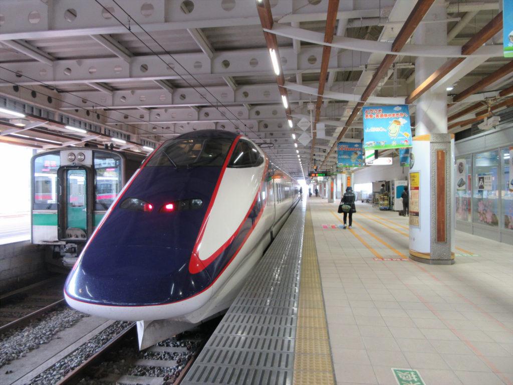 山形新幹線つばさ(新庄駅にて)
